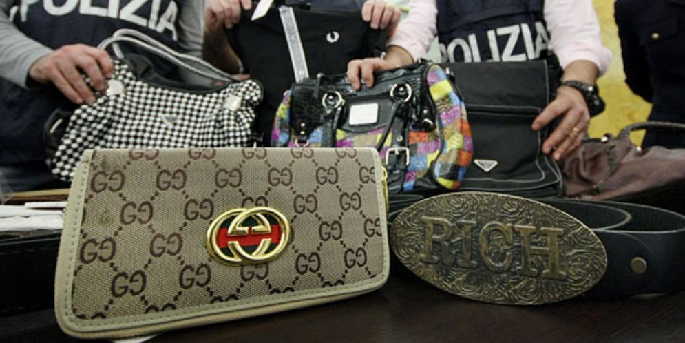 Nordest alle prese con l'illegalità: il 30% dei consumatori acquista prodotti contraffatti