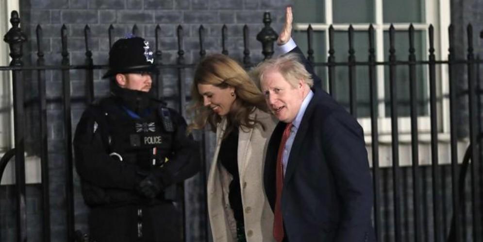 Il leader dei Tories, Boris Johnson trionfatore alle elezioni in Gran Bretagna