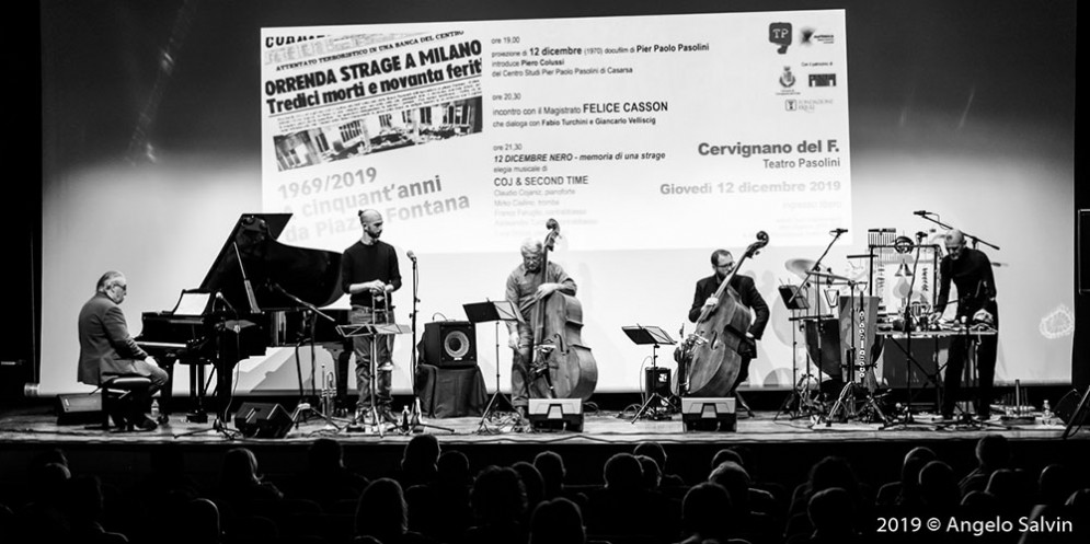 Grande commozione per Cojaniz e la strage di Piazza Fontana in musica