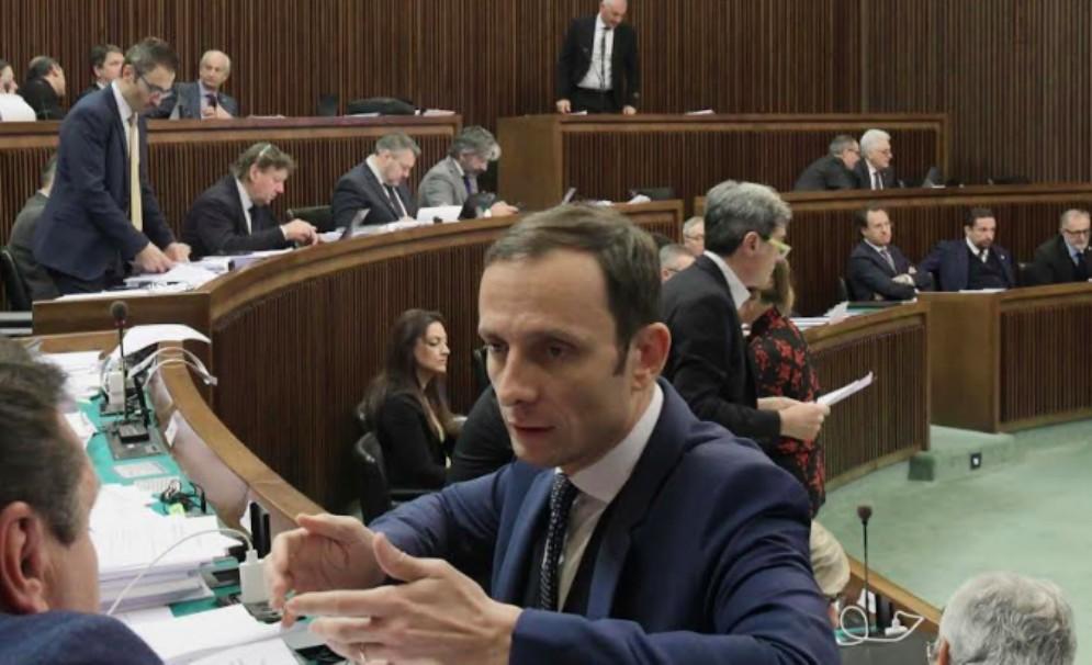 Il Consiglio regionale approva la legge di Stabilità. Fedriga: «Testo ambizioso»
