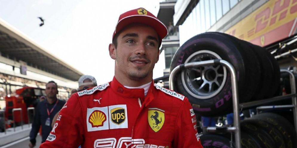 Charles Leclerc in rosso fino al 2024