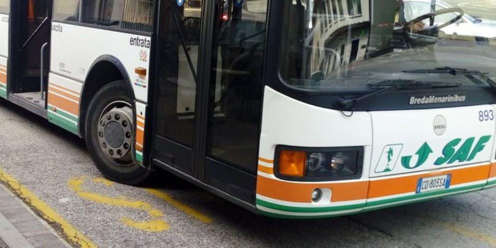 Aumenta il costo dei biglietti dei bus: dal 2020 si pagherà il 2,6% in più