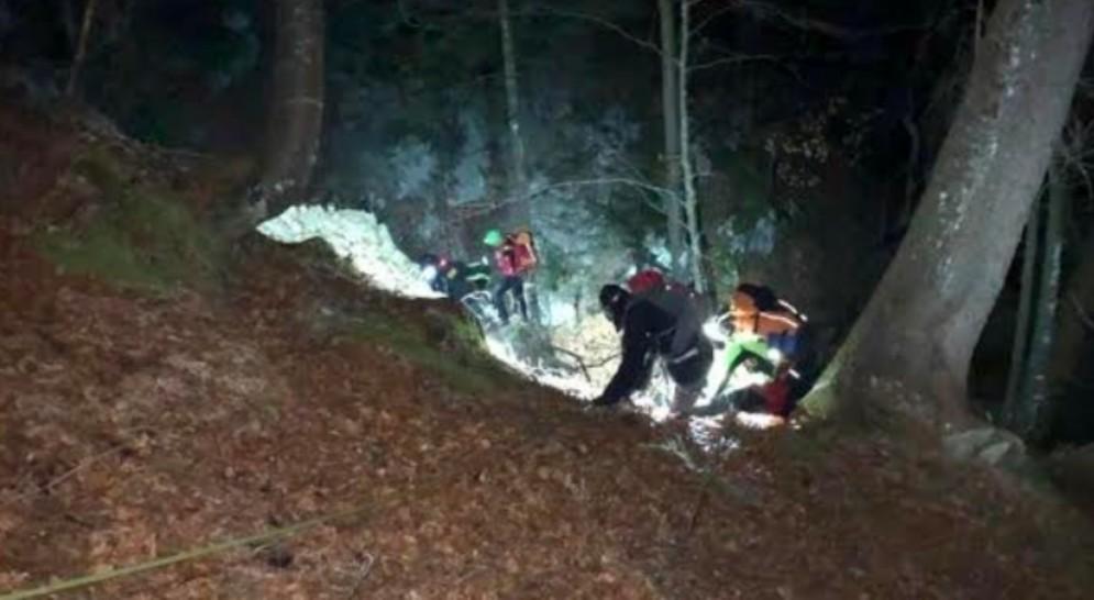 Recuperato un escursionista triestino nel bosco di fronte all'abitato di Truia