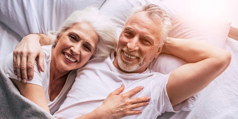 Un uomo e una donna over 65