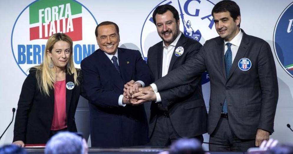 Giorgia Meloni, Silvio Berlusconi, Matteo Salvini e Raffaele Fitto