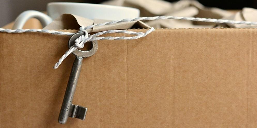 Uno scatolone per il trasloco di casa