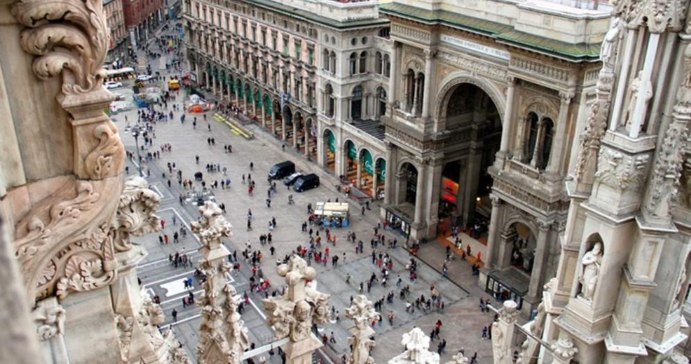 A Milano musei civici aperti e centro affollato