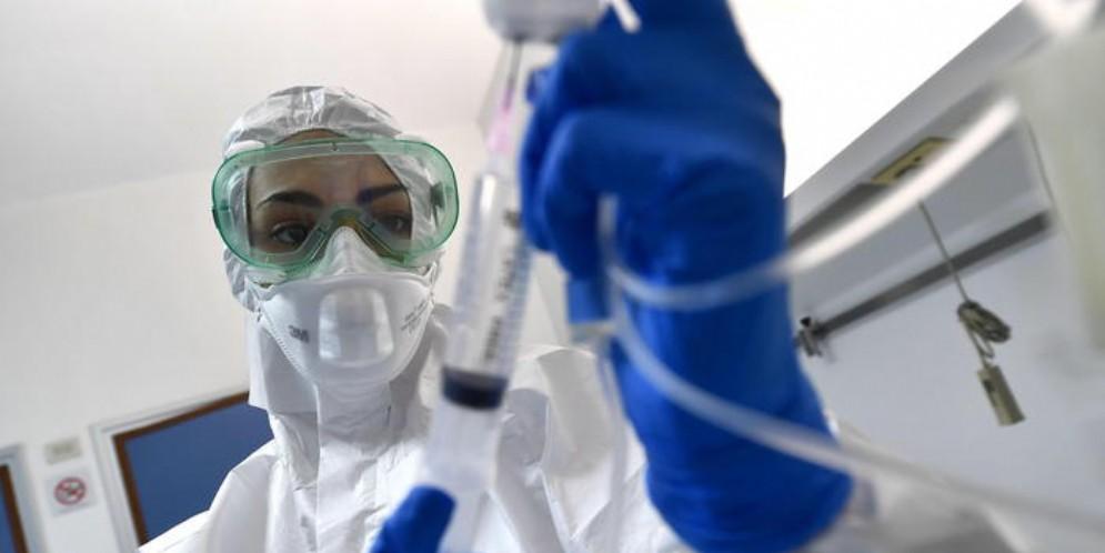 L'epidemiologo Lopalco: «Il coronavirus non è come un'influenza se il 20% va in ospedale»