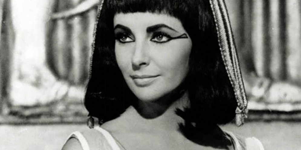 Elizabeth Taylor dal film Cleopatra del 1963