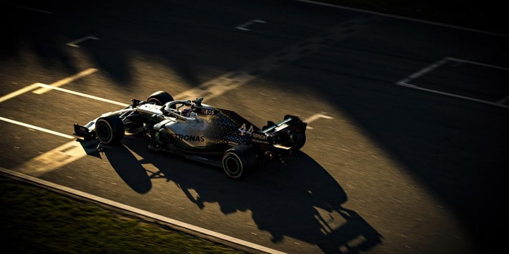 La Mercedes n. 44 di Lewis Hamilton