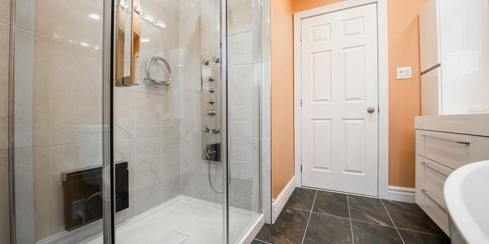 Ristrutturazione di un bagno moderno