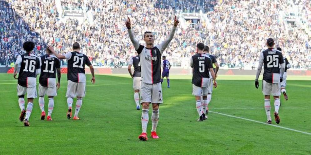 Juventus, intesa coi giocatori: taglio degli stipendi per 4 mes