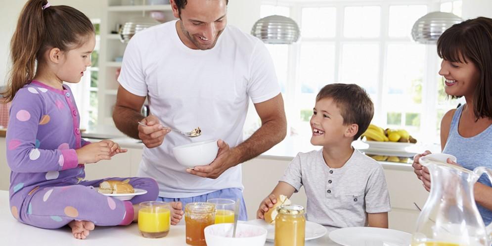 Prima colazione in famiglia