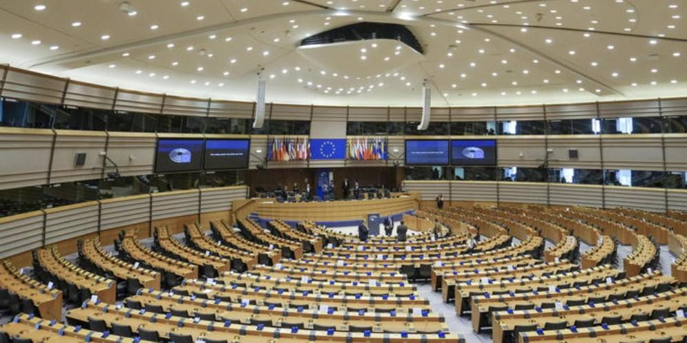Parlamento UE, su Mes e «Recovery bond» M5S e Pd divisi
