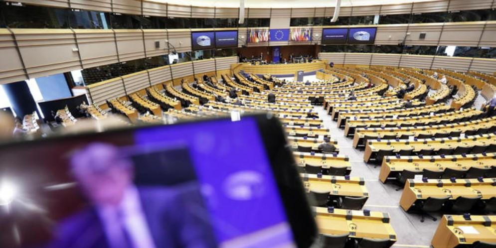 Europarlamento vota per attivazione MES. PD e Forza Italia a favore, no di Lega, 5 Stelle e FdI