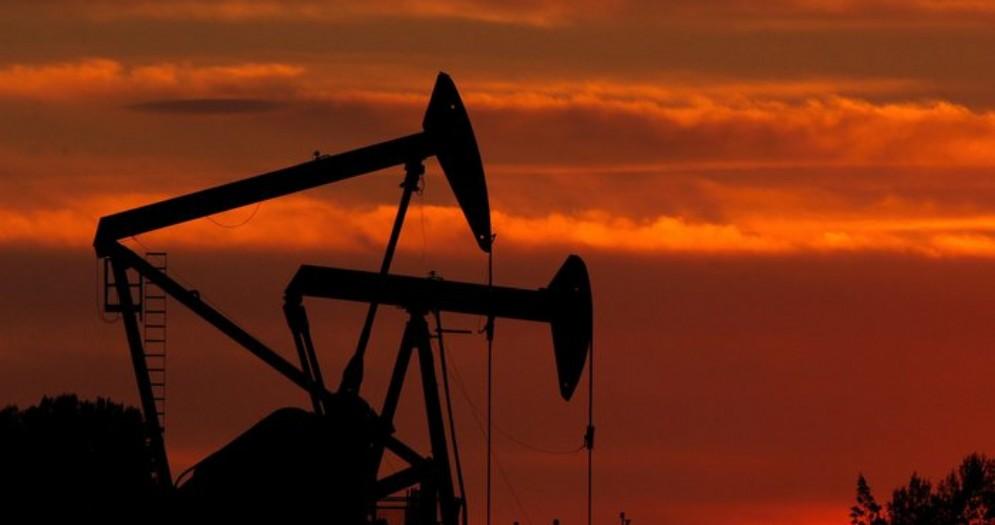 Petrolio Wti crolla ai minimi storici: -94% e il barile costa 1 dollaro