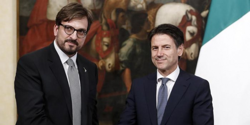 L'ex sottosegretario alla presidenza del Consiglio, Guido Guidesi con il Presidente del Consiglio, Giuseppe Conte