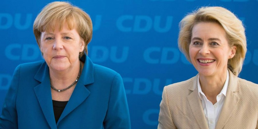 La Cancelliera tedesca, Angela Merkel con la Presidente della Commissione europea, Ursula von der Leyen