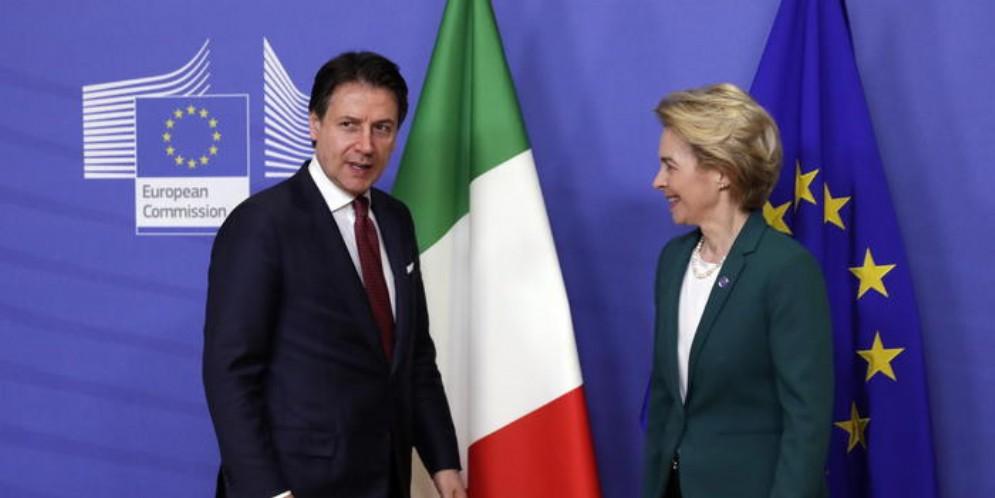 Il Presidente del Consiglio, Giuseppe Conte con il Presidente della commissione europea, Ursula von der Leyen