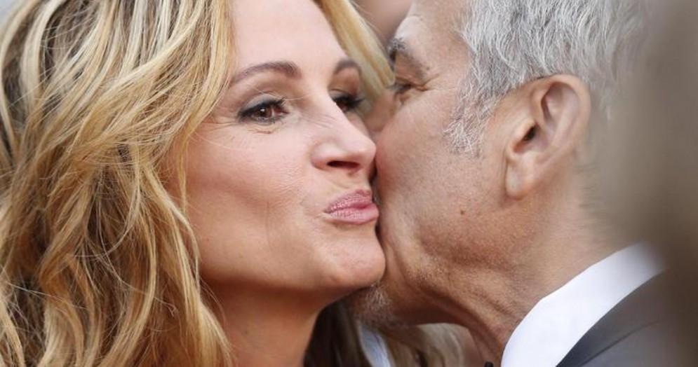 Baci tra George Clooney e Julia Roberts