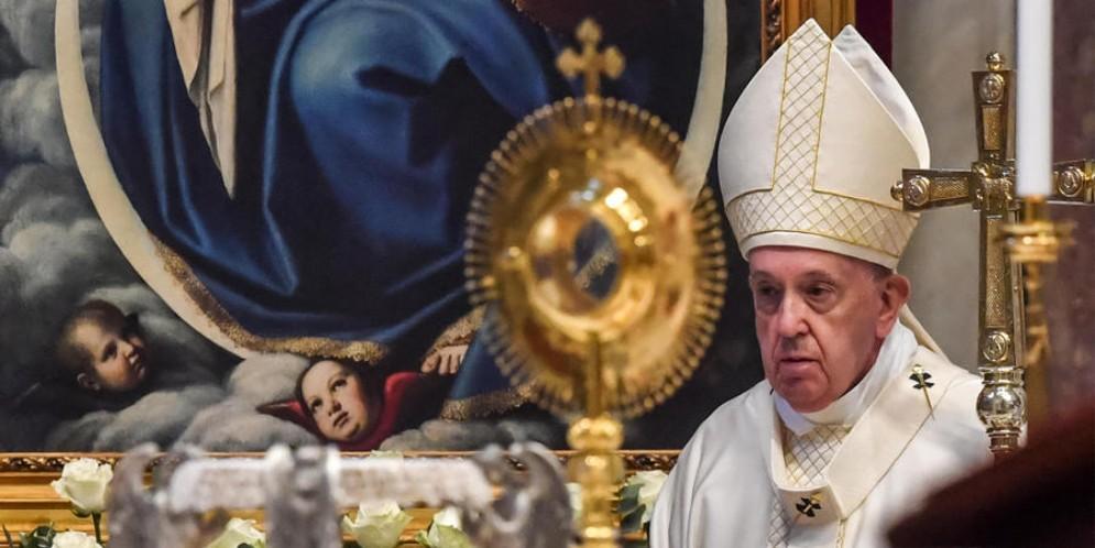 «L'Eucarestia fa la Chiesa, grande dono di Gesù»