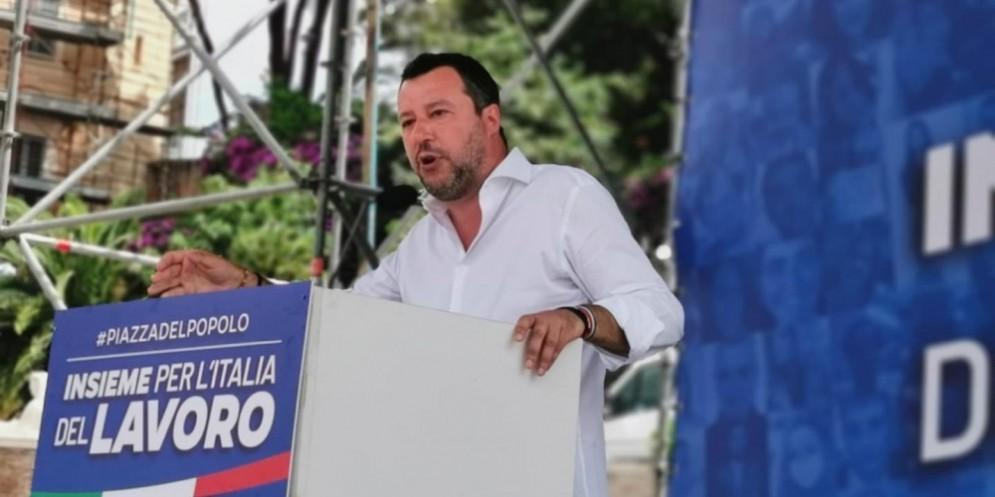Matteo Salvini sul palco della manifestazione del centrodestra a Roma