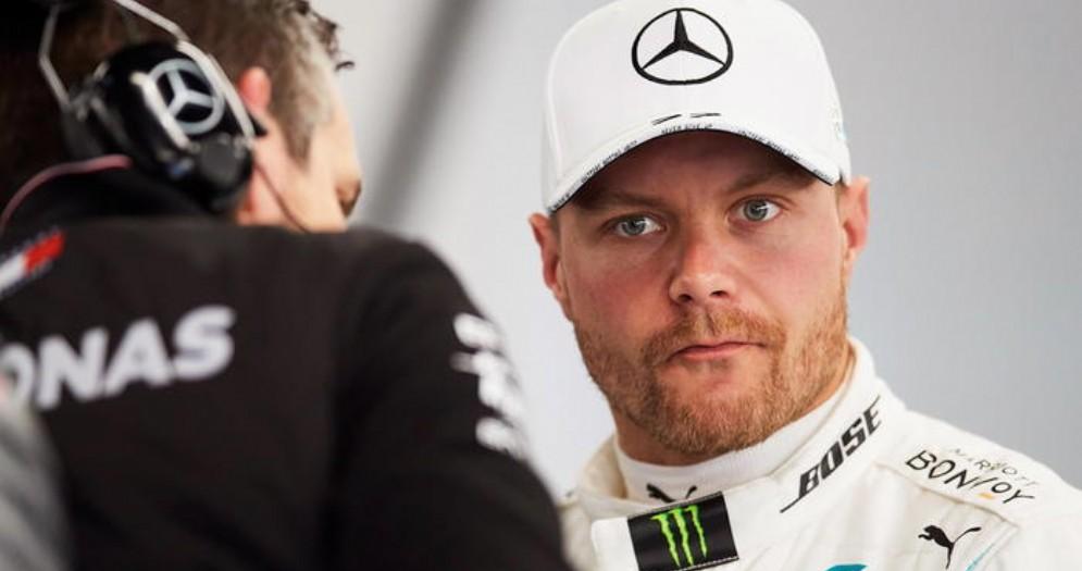 Gp d'Austria, Bottas in pole. Ferrari è buio pesto: Leclerc settimo e Vettel 11esimo
