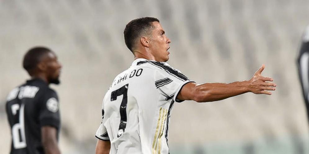 Cristiano Ronaldo autore di due gol nel ritorno degli ottavi di Champions League con il Lione
