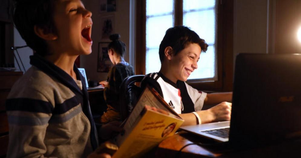 Studenti durante una lezione a distanza