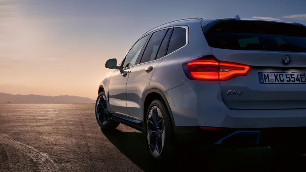 BMW iX3, attesa entro fine anno