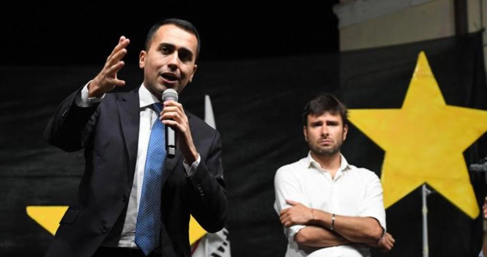 Luigi Di Maio e Alessandro Di Battista durante una manifestazione del MoVimento 5 Stelle