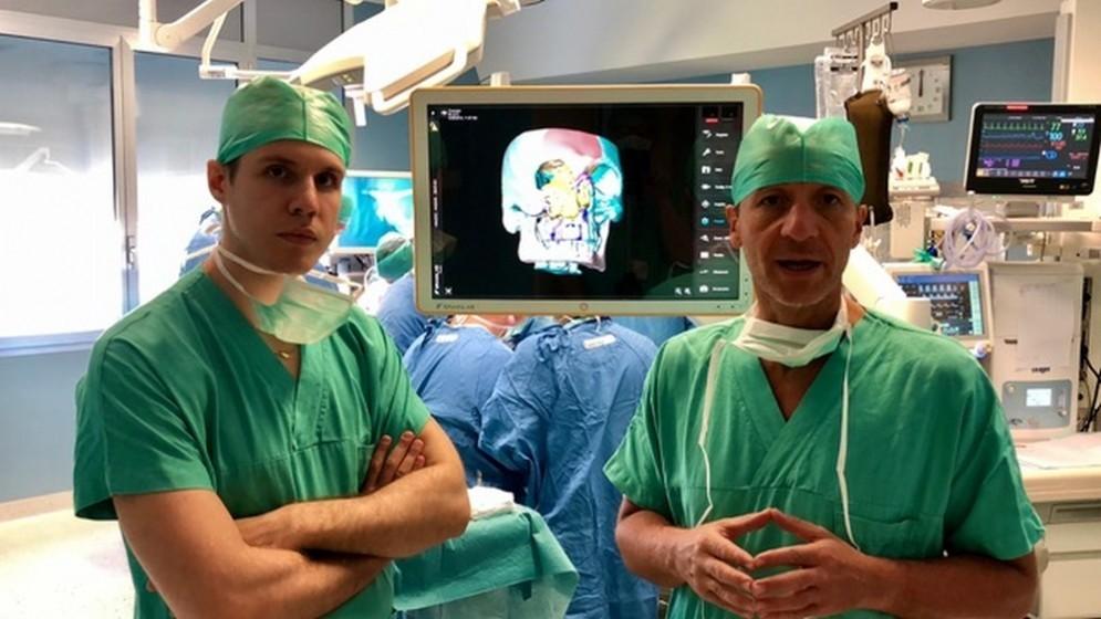 A destra il Professore Massimo Robiony
