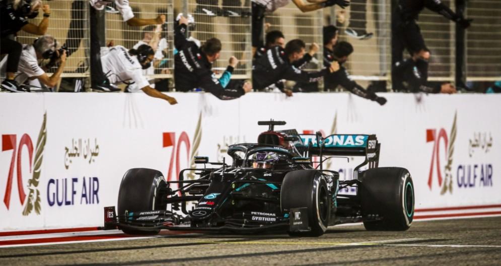 Lewis Hamilton vincitore del GP del Bahrein