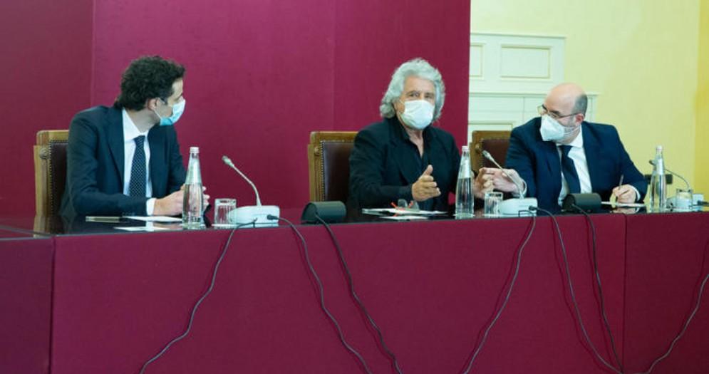 Consultazioni: la delegazione M5s guidata da Beppe Grillo ad incontro con Mario Draghi