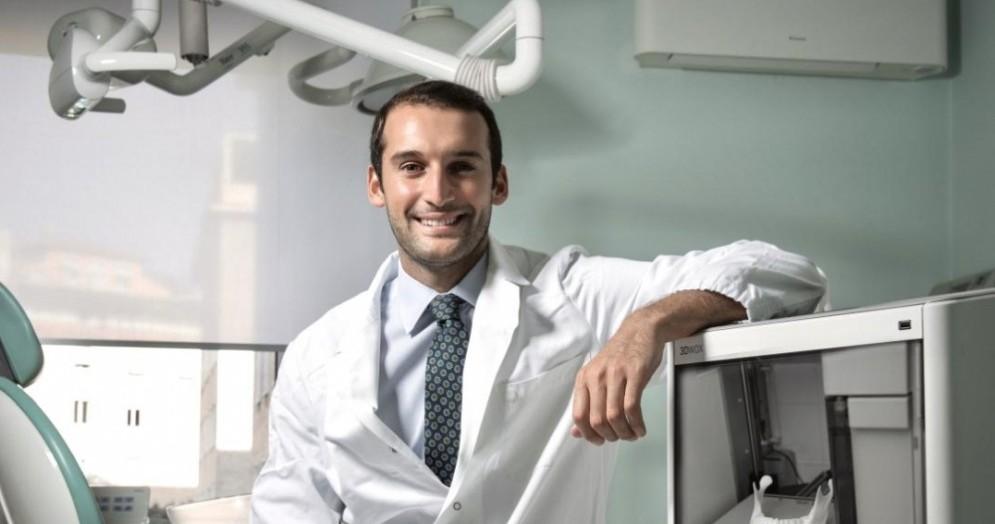 Giuseppe Cicero, parodontologo di Roma e Docente di Odontoiatria all'Università Europea di Madrid