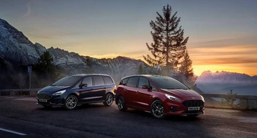 La nuova S-MAX Hybrid Ford