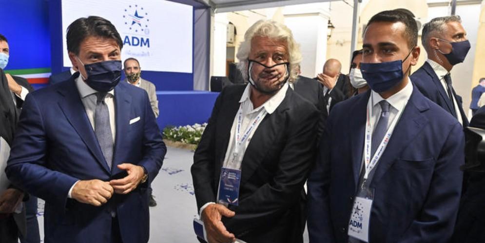 Da sinistra: Giuseppe Conte, Beppe Grillo e Luigi Di Maio