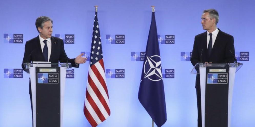 NATO divisa sullo scontro con la Cina: USA a mani vuote su Pechino
