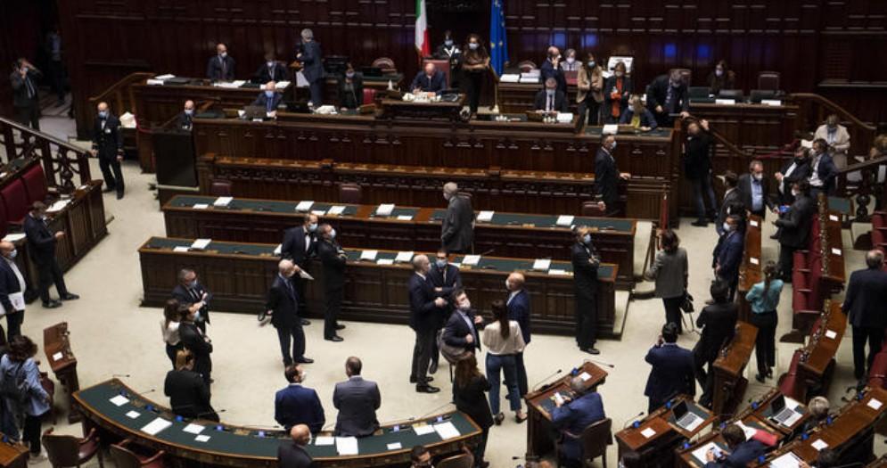 Silvestroni: «In Italia, e perfino alla Camera, circolano mascherine non a norma»
