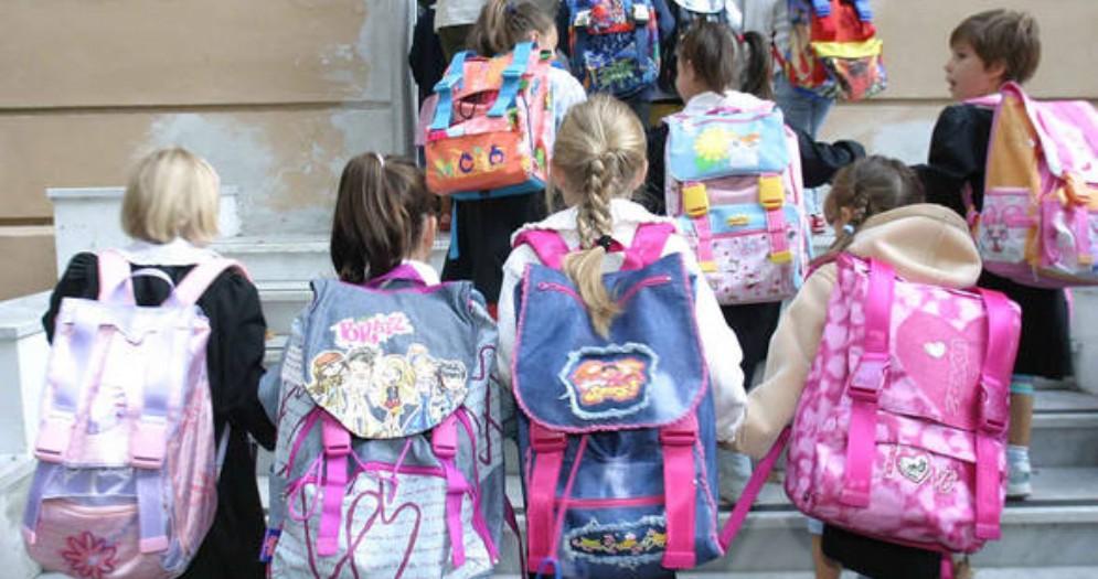 Le linee guida «gender» per le scuole del Lazio: Lega, FdI e associazioni insorgono