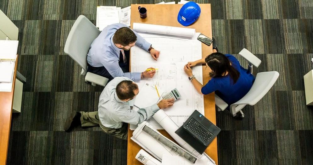 Lavoro, dipendenti in crescita nel secondo trimestre. Traino da servizi e costruzioni