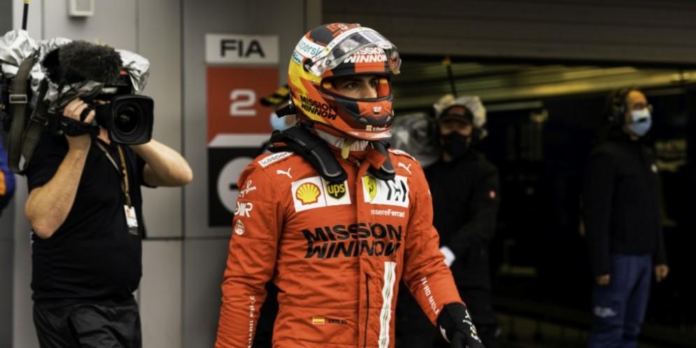 Carlos Sainz in prima fila a Sochi